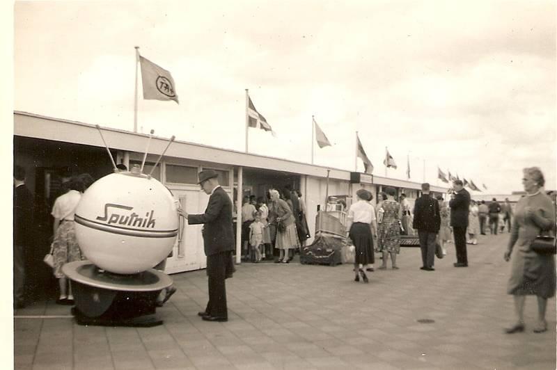 Heathrow: Roof of Passenger Building 1958