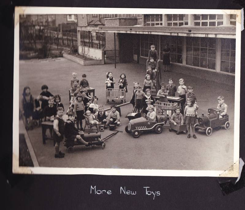 1950s playtime in the nursery at Grange Park