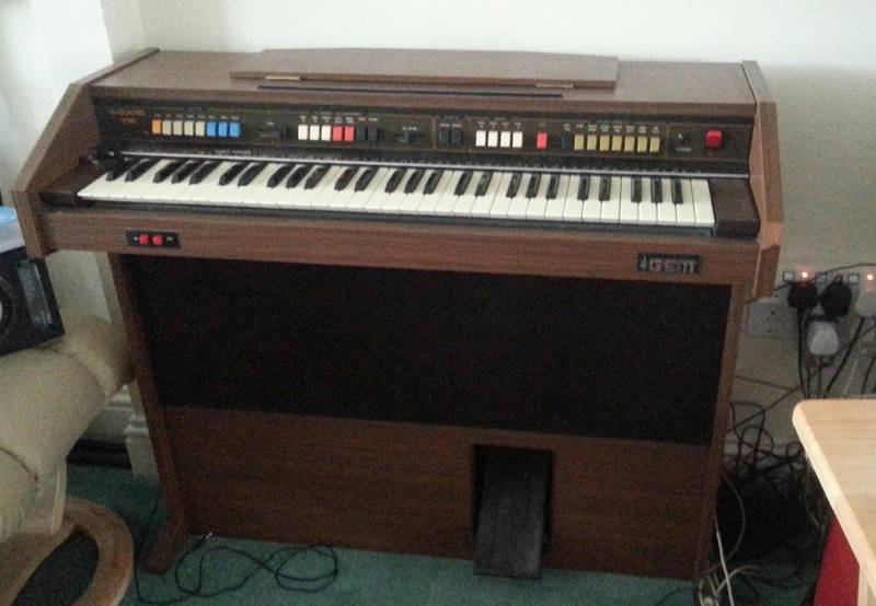 1970s Gem Wizard organ