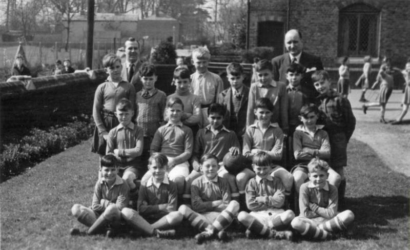 Dr Triplett's Football Team 1951-52