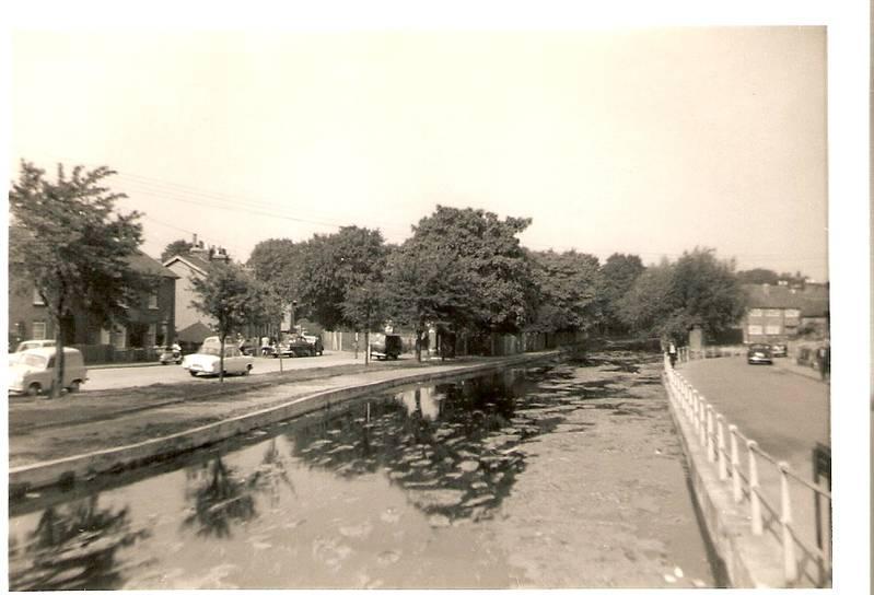 Uxbridge: Two scenes from the bridge over Frays River