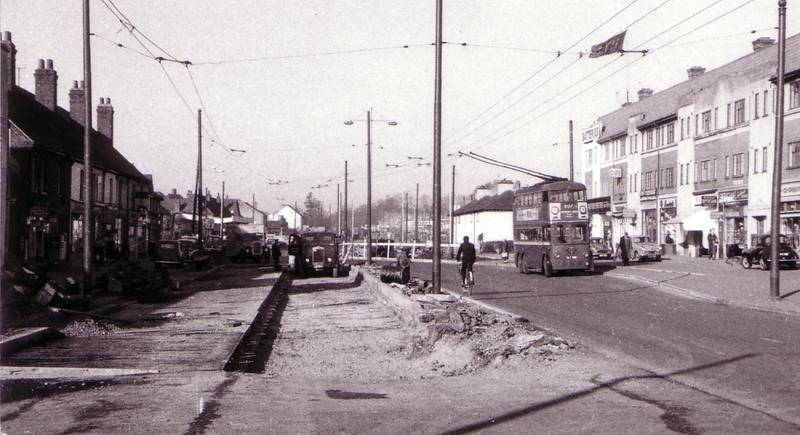 Uxbridge Road trolley bus and roadworks, near Lees Road looking west