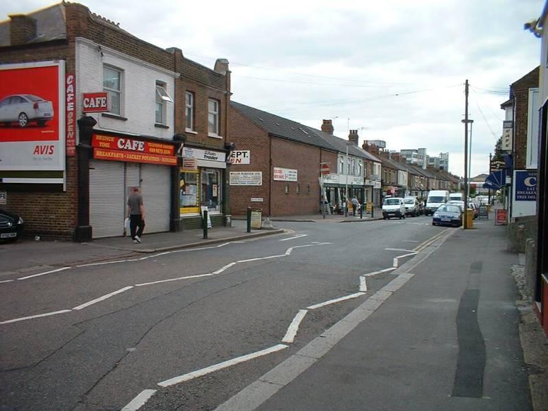 Clayton_Road_2003_1_