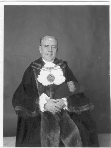 Uncle_Oss-Mayor_of_Hillingdon_1971