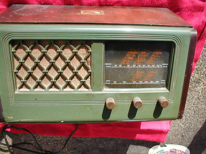 HMV valve radio ... made in Hayes Middlesex.
