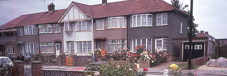 010_June_1981_View_from_49_Bourne_Ave_Hayes