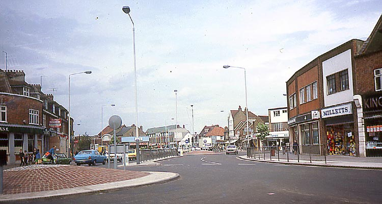 016_June_1981_HAYES_Station_Rd