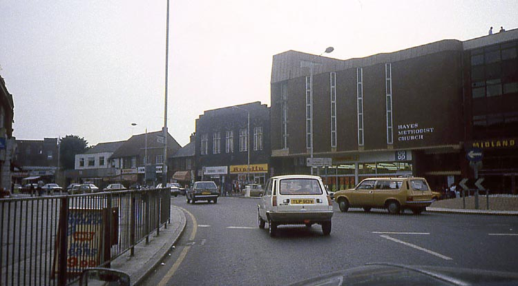 033_June_1981_Station_Road