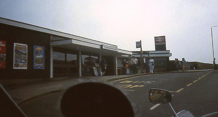 037_June_1981_Hayes_Station