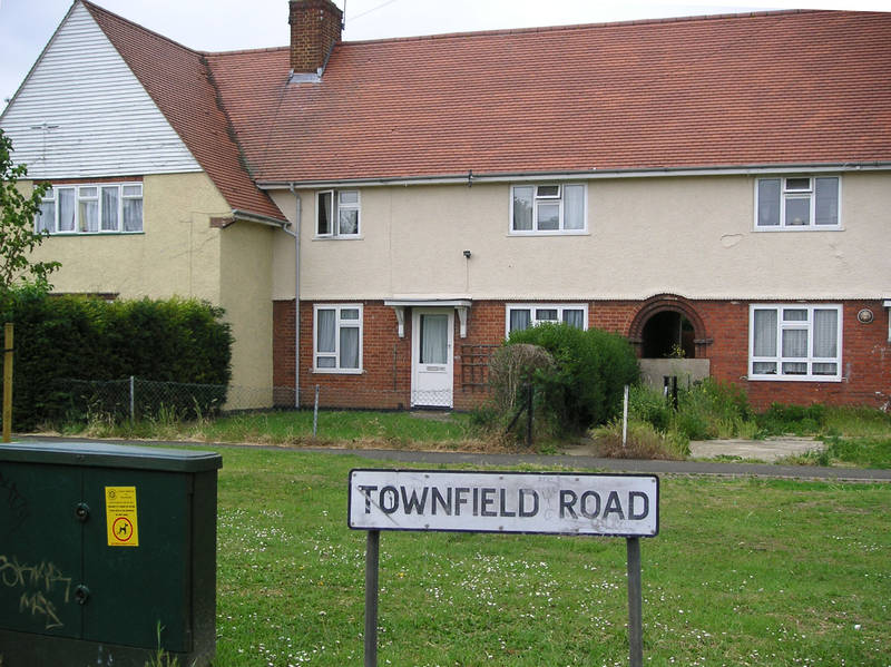 1 June 2005 Townfield Road at East Avenue